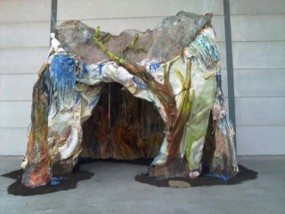 tears-inside-mother-earth-womb-instalation-2010-mixed-media-300x200x300-cm