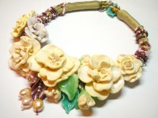 cream-roses-2
